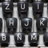 CC0 by miradeshazer https://pixabay.com/de/schreibmaschine-tastatur-typ-1227357/